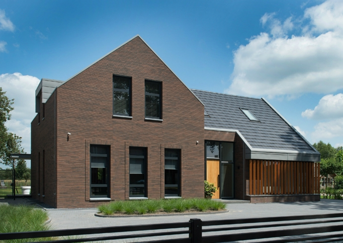 Villa den Dungen door Deux Architecten, GeoStylistix Shaded Brown Black - foto eigendom MBI Steenmeesters